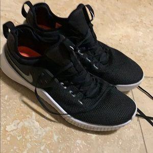 Nike free metcon black and white size 14